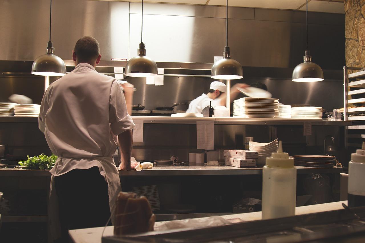 Scegliere la Migliore Cucina Industriale Professionale per il Tuo Ristorante